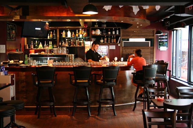 Het opbouwen van de bar